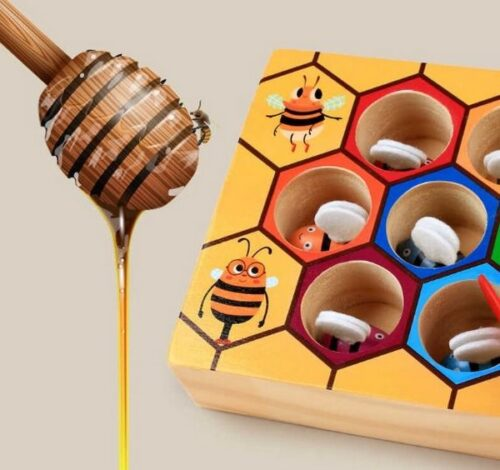 Extrokids Wooden  Montessori Industrious Little Bees Kids Interactive Beehive Game Board for Children Clip Gifts Toy - EK1581