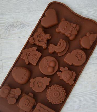 Extrokids Chocolate Mould - Home - EK1819